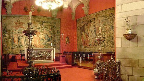 Generalitat Chapel showing frontal