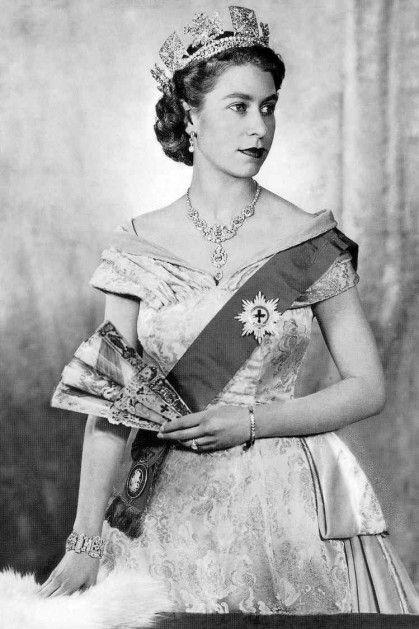 Queen Elizabeth July 1952
